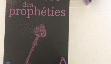 "photo du ""Livre de propheties"" de Glenn Cooper by me"